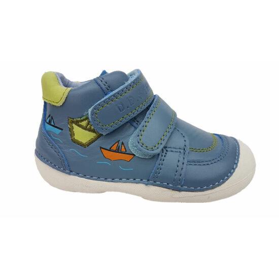Milyen cipőt viseljen az egészséges lábú kisgyerek