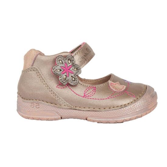 Kényelmes pezsgő - krém DD Step kislány tavaszi szandálcipő virágokkal d3949dfe71