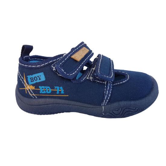 Gyerekcipő keresés  benti váltó cipő - 3. oldal 58cfce55c9