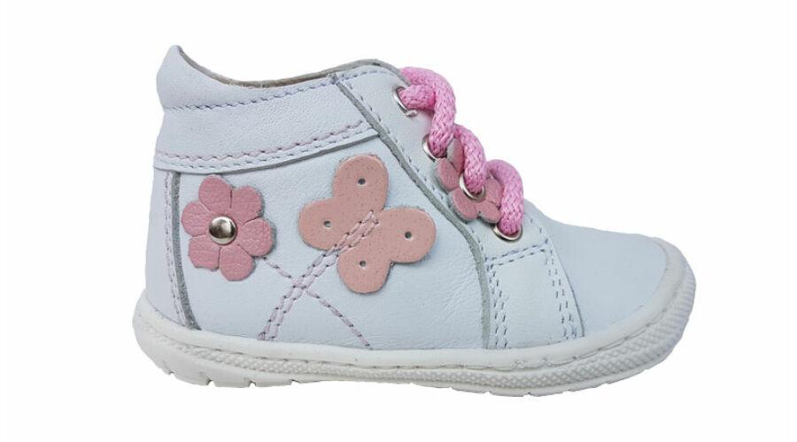 Fehér virágos - pillangós első lépés cipő 1360-407951 - gyerekcipoabc.hu 8238d1a35f